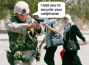 soldier-cellphone2.jpg